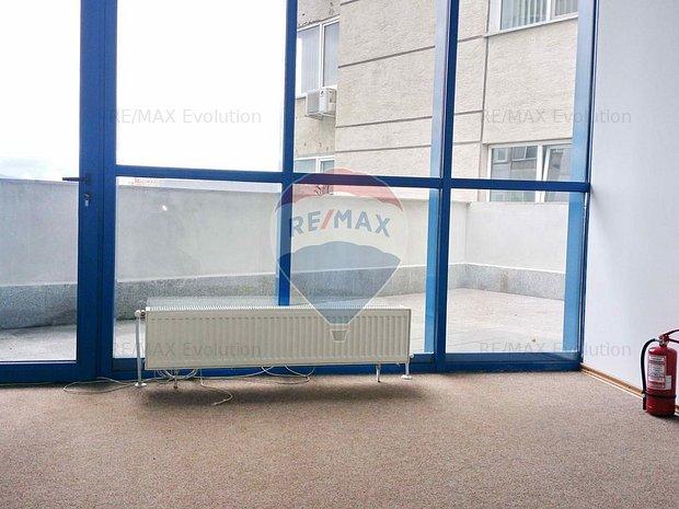 Comision 0 % ! Spatiu birouri 24 mp + terasa 35 mp, Centru Civic - imaginea 1
