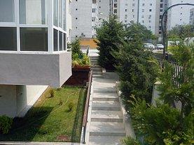 Apartament de închiriat 3 camere, în Constanta, zona Delfinariu