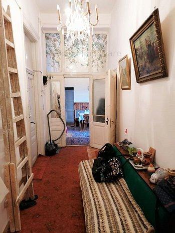 Apartament zona Piata Sfatului - imaginea 1