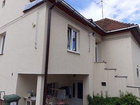 Casa de închiriat 6 camere, în Braşov, zona Griviţei