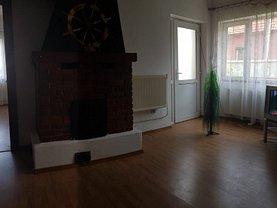 Casa de închiriat 4 camere, în Braşov, zona Dârste