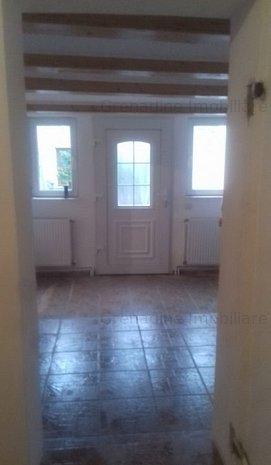 Casă cu 2 camere în zona schei, cod 8443 - imaginea 1