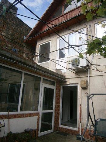 Casa port - trei camere - imaginea 1