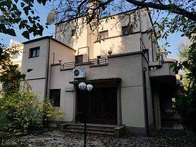 Casa de vânzare sau de închiriat 10 camere, în Bucuresti, zona Arcul de Triumf