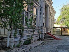 Casa de vânzare 10 camere, în Bucuresti, zona Calea Victoriei