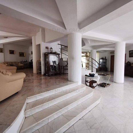 vila cu scara interioara, semineu,terasa mare, strada linistita - imaginea 1