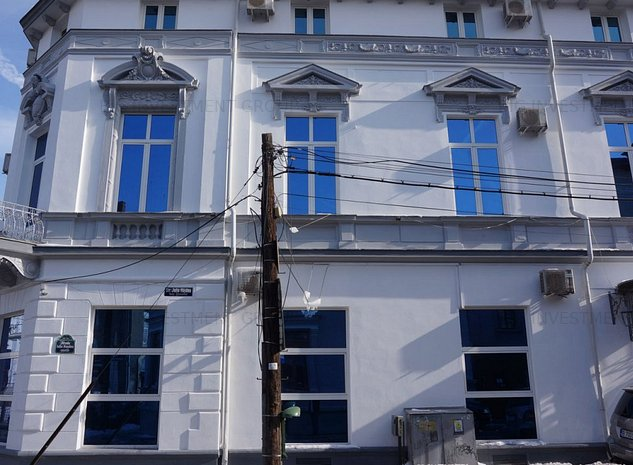 vanzare hotel pretabil si birouri - imaginea 1