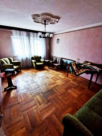Vanzare apartament 3 camere, vis a vis de Kaufland - imaginea 1