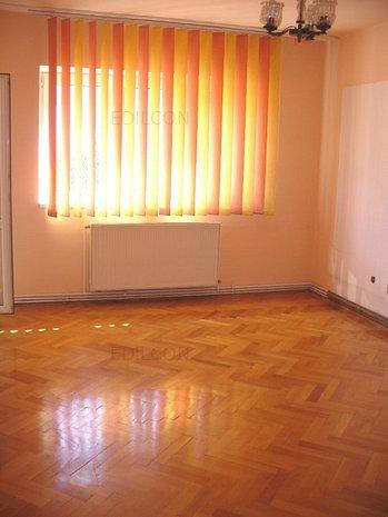 Apartament 3 camere etaj 1 Hipodrom - imaginea 1