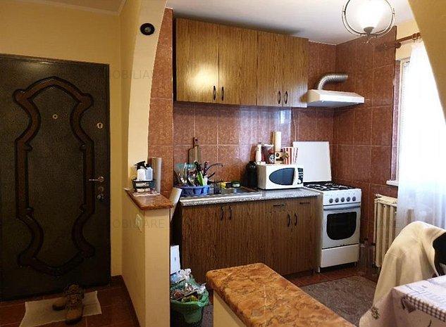 Apartament 2 camere dec etaj 3 zona Liceul Onisifor Ghibu Grigorescu - imaginea 1