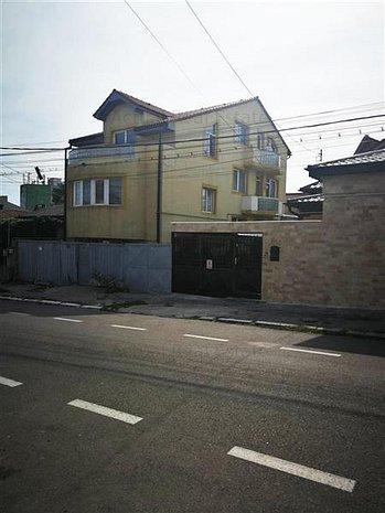 Constanta. B-dul Mamaia. Universitate. Vila P+2. 300mp - imaginea 1
