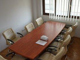 Apartament de închiriat 4 camere, în Bucuresti, zona Victoriei