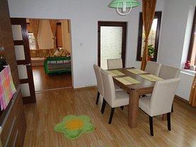 Casa de vânzare 6 camere, în Pitesti, zona Trivale Platou