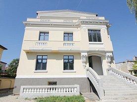 Casa de vânzare sau de închiriat 43 camere, în Bucureşti, zona Foişorul de Foc