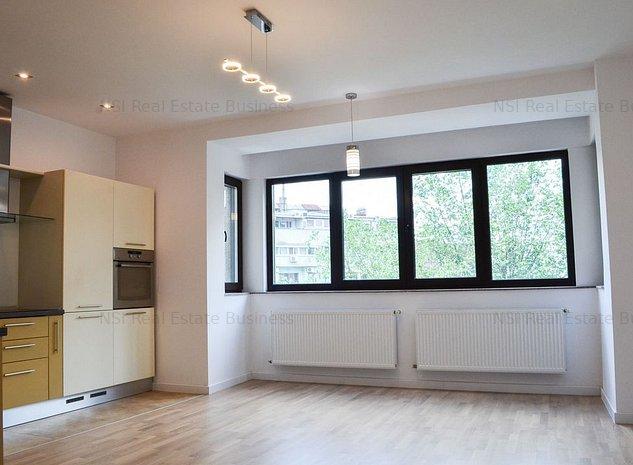 Apartament 4 camere   Renovat Complet   Universitate - P-ta Rosetti - imaginea 1