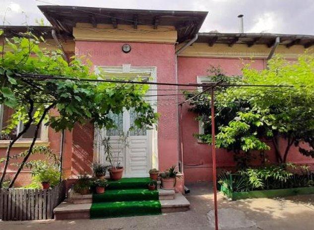 Casa de vânzare 6 camere - imaginea 1