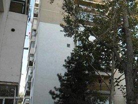 Apartament de vânzare 3 camere, în Slobozia, zona Sud-Vest