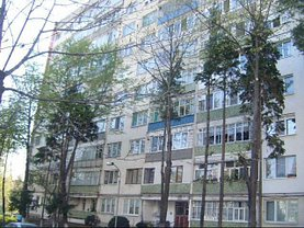 Apartament de vânzare 2 camere, în Onesti, zona Central
