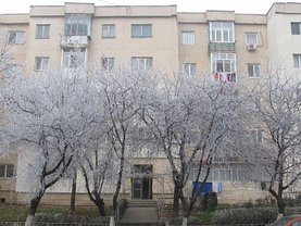 Apartament de vânzare 3 camere, în Giurgiu, zona Casa Cartii