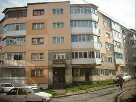 Apartament de vânzare 2 camere, în Campulung-Muscel, zona Est