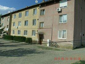 Apartament de vânzare 3 camere, în Iratosu