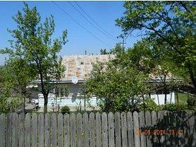 Apartament de vânzare 4 camere, în Falticeni