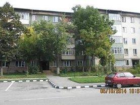 Apartament de vânzare 3 camere în Motru, Central