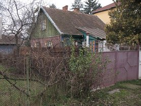 Apartament de vânzare 4 camere, în Stei, zona Central