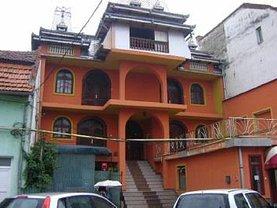 Apartament de vânzare 4 camere, în Caransebes, zona Central