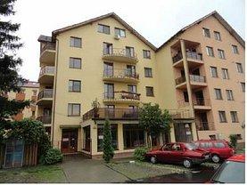 Apartament de vânzare 3 camere, în Bistrita, zona Sud