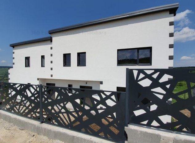 Vand Casa in Duplex   PANORAMIC   CF   FOARTE APROAPE DE VIVO & METRO - imaginea 1