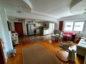 Apartament de vânzare 4 camere în Buzau, Unirii Centru