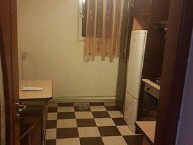 Apartament de închiriat 3 camere, în Buzău, zona Micro 3