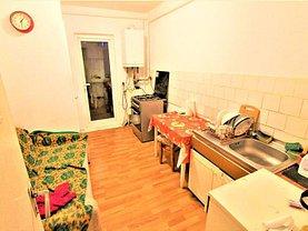 Apartament de vânzare 3 camere, în Bacau, zona Central
