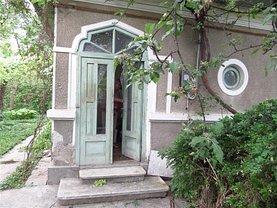 Casa de vânzare 3 camere, în Bacau, zona Central