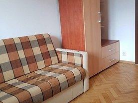 Apartament de vânzare 3 camere, în Iaşi, zona Podul de Piatră