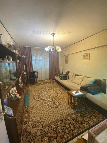 Etaj 6/10 , Apartament 3 camere decomand: Etaj 6/10 , Apartament 3 camere decomandat , Alexandru - Parcul Voievozilor