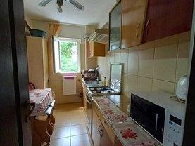 Apartament de vânzare 3 camere, în Iaşi, zona Dacia