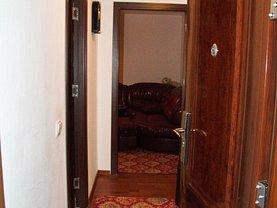 Apartament de vânzare 3 camere, în Piatra-Neamt, zona Precista
