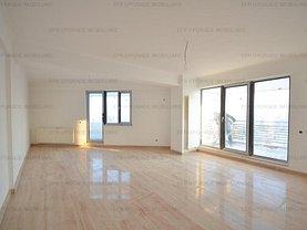 Penthouse de vânzare 3 camere, în Bucuresti, zona Damaroaia