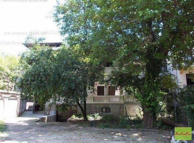 Vanzare casa/vila 12 camere - imaginea 1