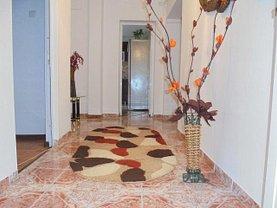 Apartament de vânzare 3 camere, în Targoviste, zona Micro 5