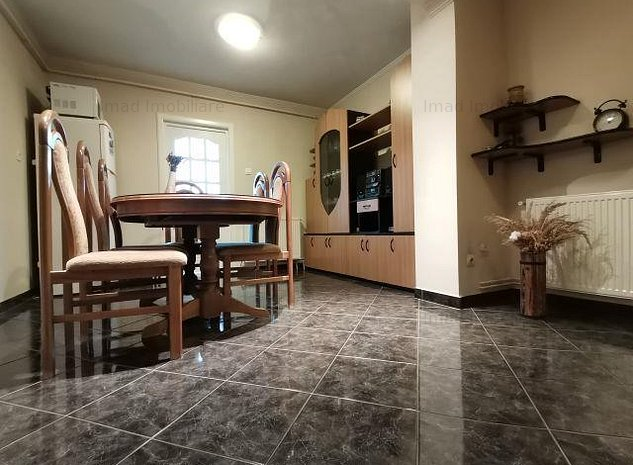 Etaj 1! Vanzare apartament cu 3 camere in micro 12! - imaginea 1
