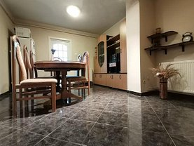 Apartament de vânzare 3 camere, în Targoviste, zona Micro 12