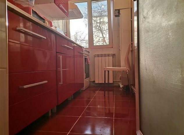 Etajul 2! Vanzare apartament cu 2 camere in Micro 11, Targoviste! - imaginea 1