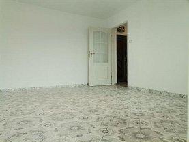 Apartament de vânzare 3 camere, în Târgovişte, zona Micro 4