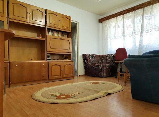 Aproape de Scoala Postliceala Sanitara! Inchiriere apartament cu 3 camere in mic - imaginea 1