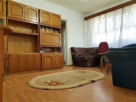 Apartament de închiriat 3 camere, în Târgovişte, zona Micro 5