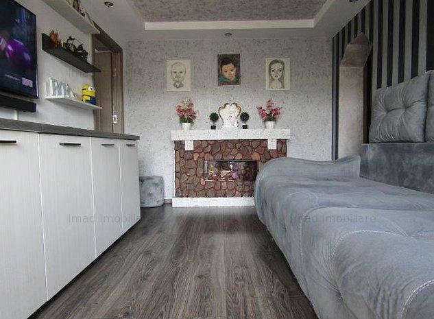 Complet renovat! Vanzare apartament cu 2  camere in Targoviste micro 6! - imaginea 1