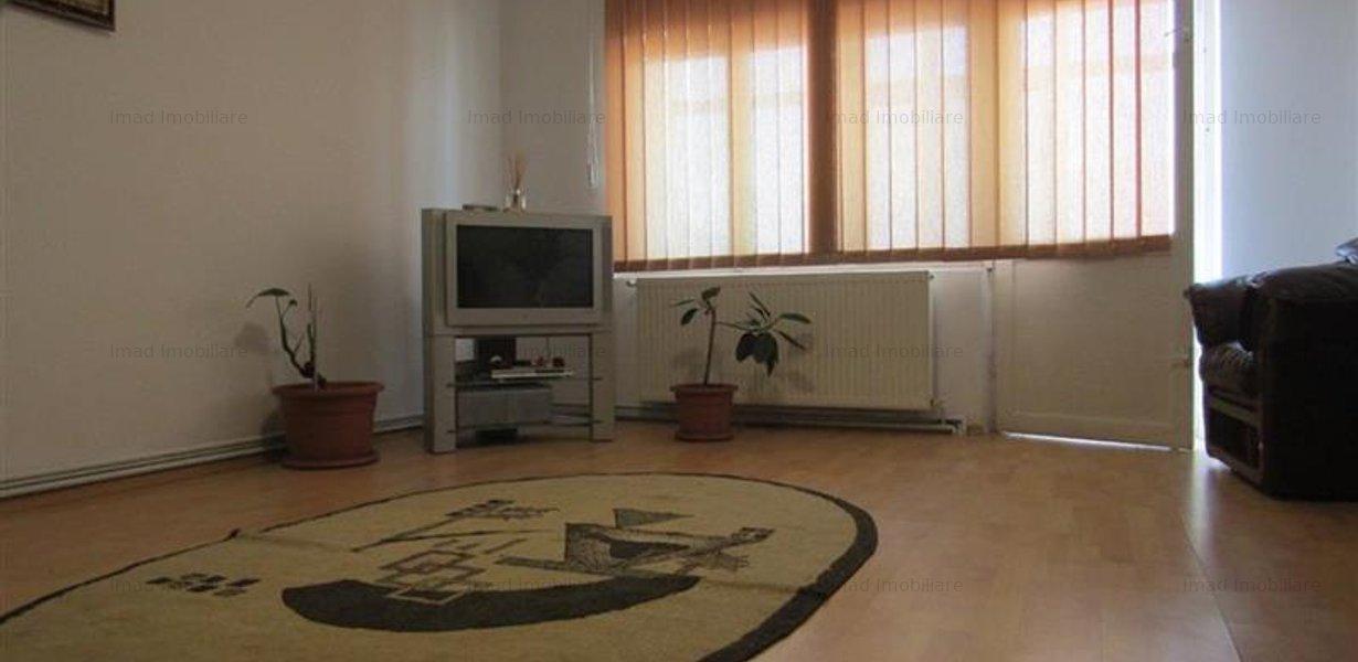 Decomandat! Vanzare apartament cu 4 camere in Targoviste micro 3! - imaginea 1